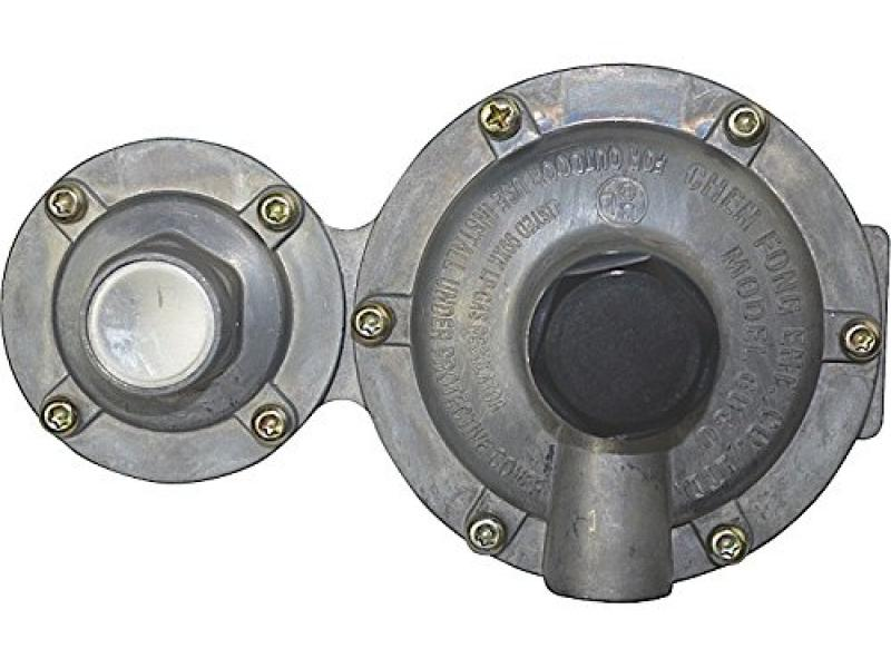 Enerco F173868 Horizontal Propane Two Stage Regulator Clamshell